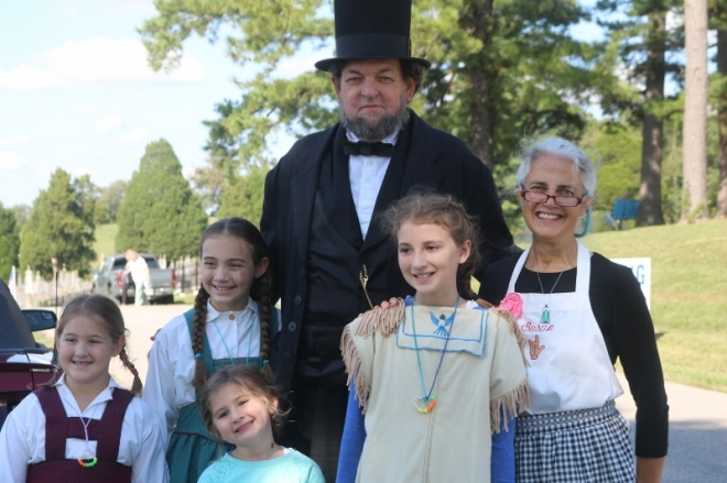 President Lincoln with young historical presenters