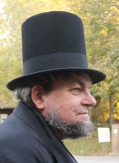 Lincoln's tall hat